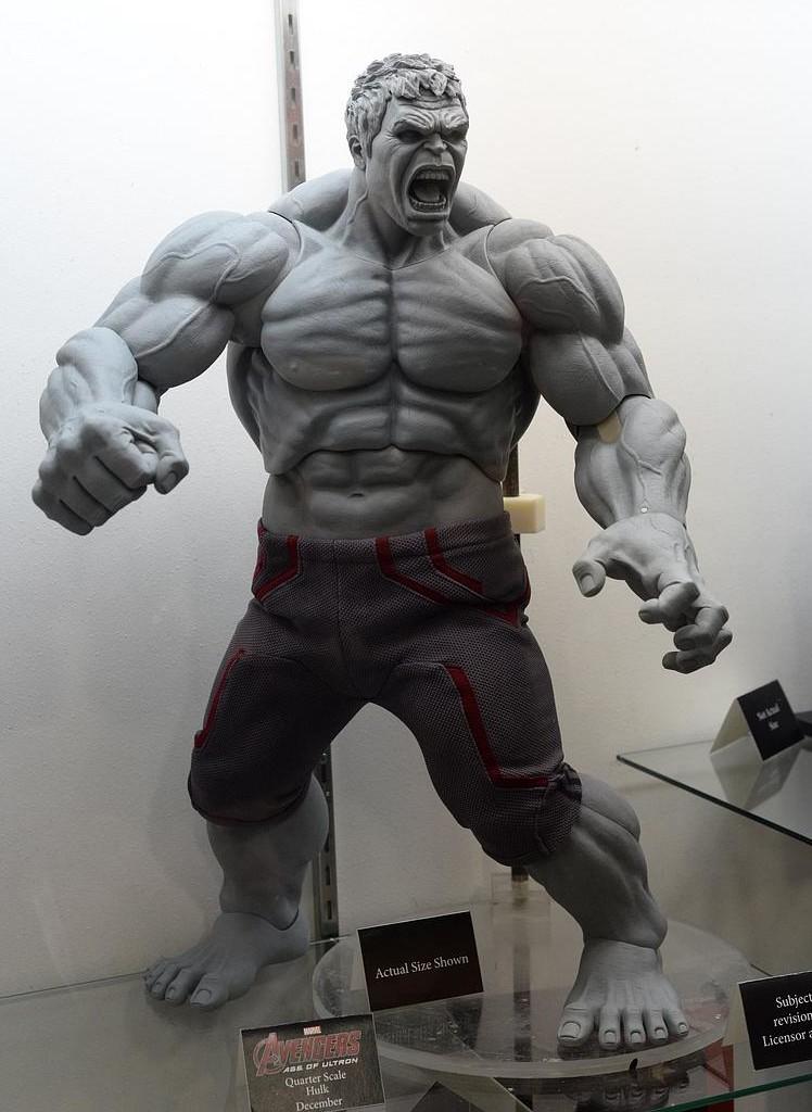 Neca hulk 24 quot quarter scale figure revealed marvel toy news