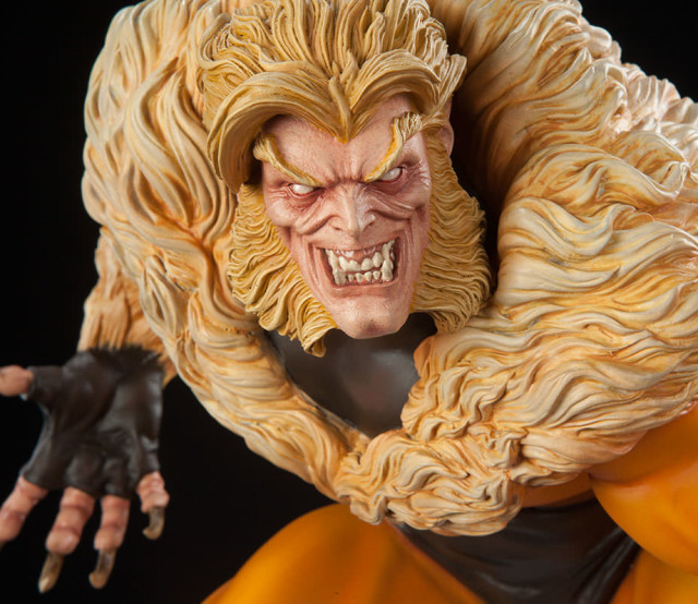 Sabertooth Sideshow Collectibles Premium Format Figure Head Close-Up 2016