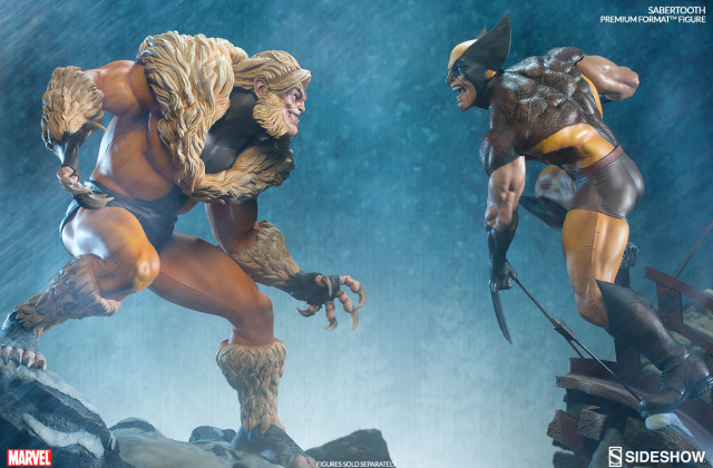 Sideshow Sabertooth Classic Costume Statue vs. Brown Costume Wolverine
