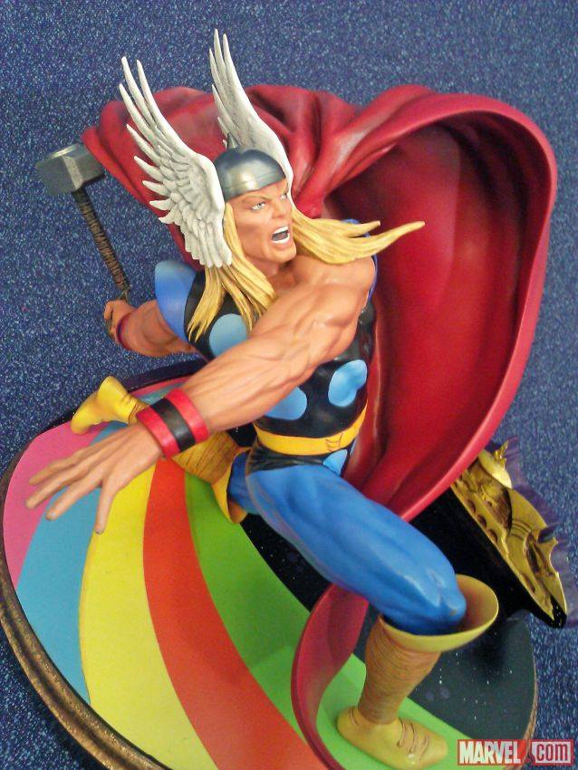 Diamond Select Toys Thor Marvel Premier Collection Statue