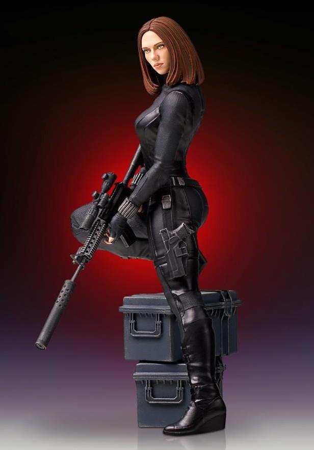 Gentle Giant Black Widow 9 Inch Statue