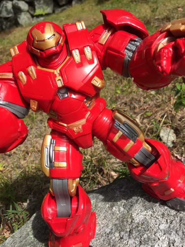 Avengers Legends Hulkbuster Iron Man BAF Review