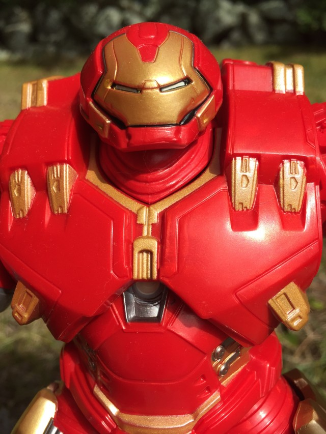 Marvel Legends Hulkbuster Iron Man Review