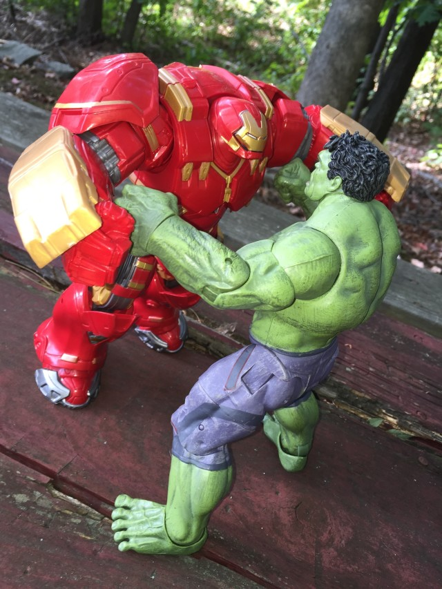 Hulkbuster Iron Man Marvel Legends Build A Figure versus Hulk