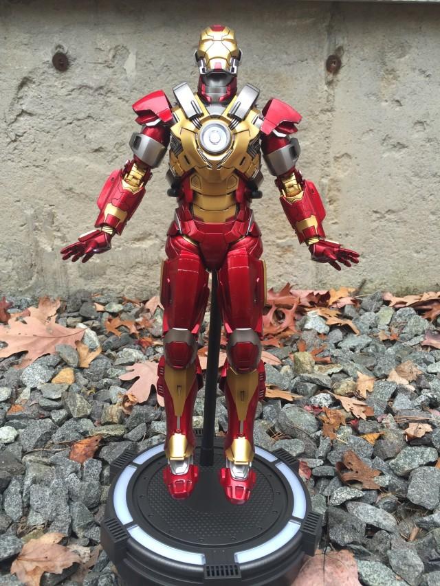 Hot Toys Heartbreaker Iron Man MMS 212 Figure