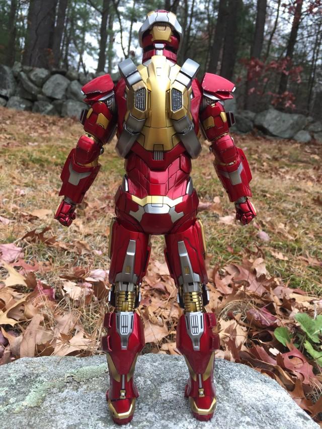 Back of Heartbreaker Iron Man Hot Toys Figure