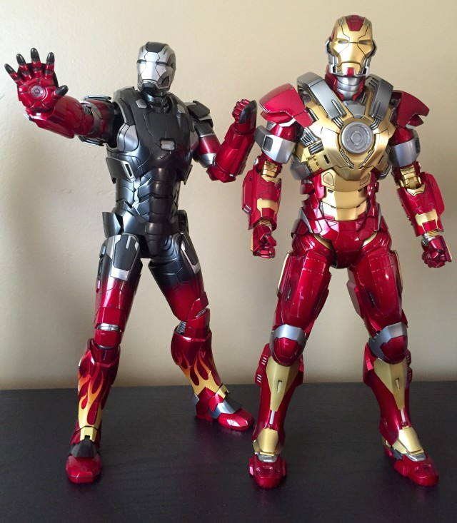 Comparison of Hot Toys Diecast Hot Rod Iron Man and Heartbreaker Plastic Iron Man