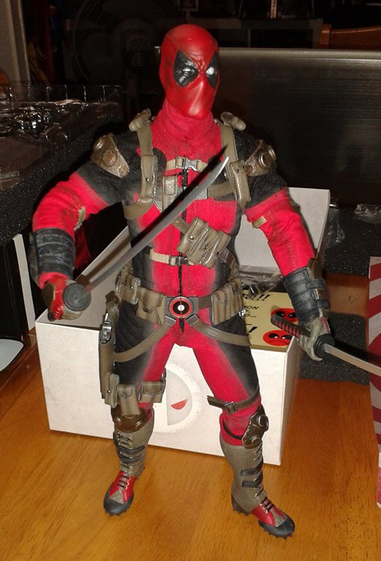 Sideshow Collectibles Deadpool Figure Review