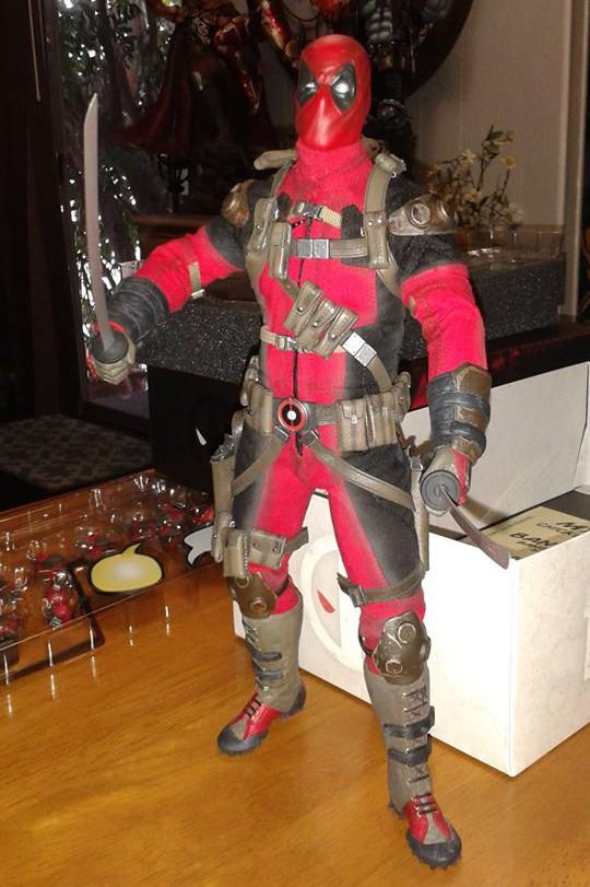 Sideshow Deadpool 12 Inch Figure Unboxing