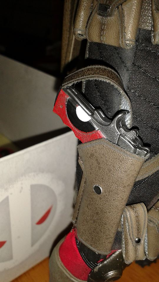 Sideshow Exclusive Deadpool Figure with Pistol in Holster