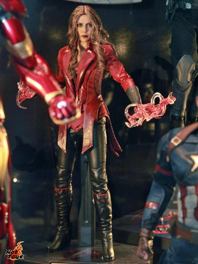 Captain America Civil War Scarlet Witch Hot Toys Figure