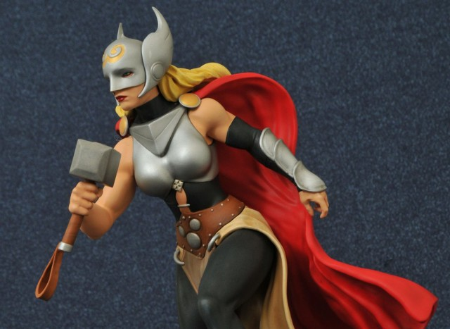 Diamond Select Femme Fatales Lady Thor Statue
