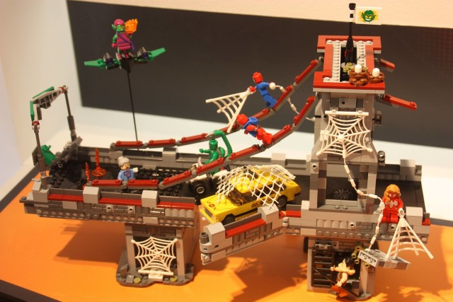 LEGO 76057 Spider-Man Web Warriors Bridge Battle