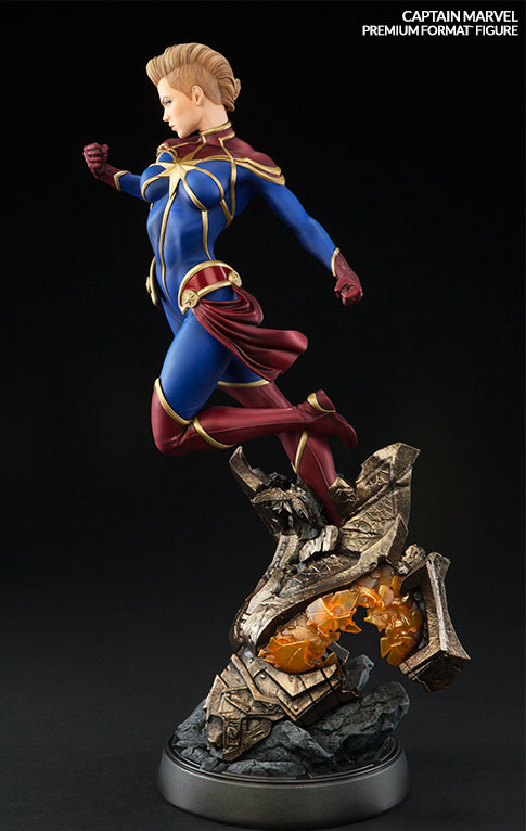 Quarter Scale Captain Marvel Statue Sideshow Collectibles 2016