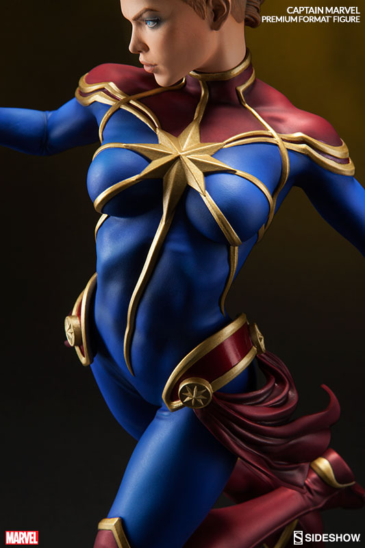 Sideshow Collectibles Captain Marvel Premium Format Figure Statue