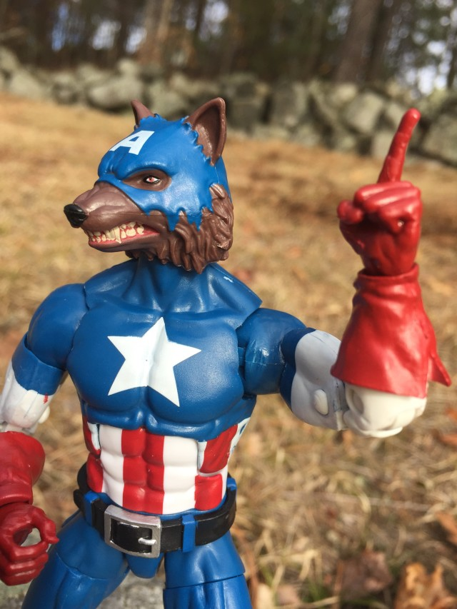Cap-Wolf Legends Figure Pointing