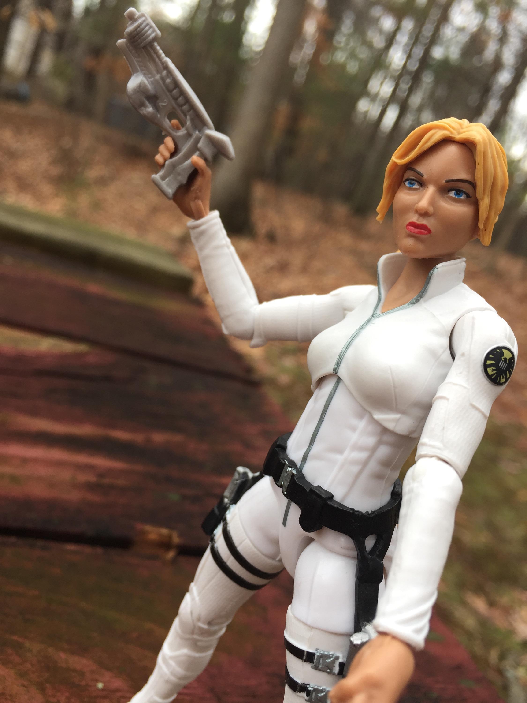 Agent Carter Toys : Marvel legends sharon carter agent figure review