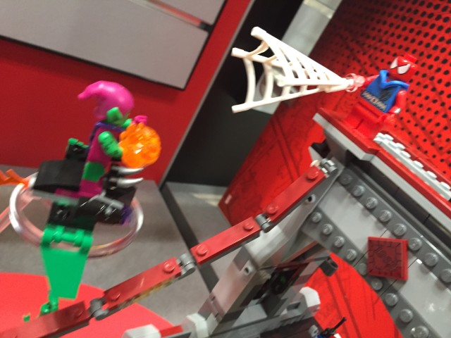 LEGO Green Goblin vs. Scarlet Spider Minifigures