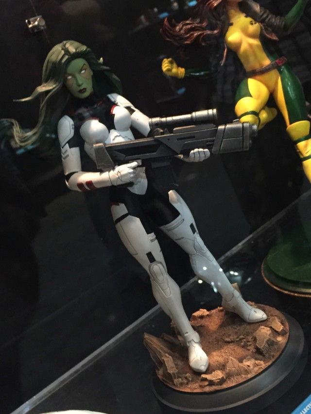 Toy Fair 2016 Diamond Select Gamora and Rogue Statues