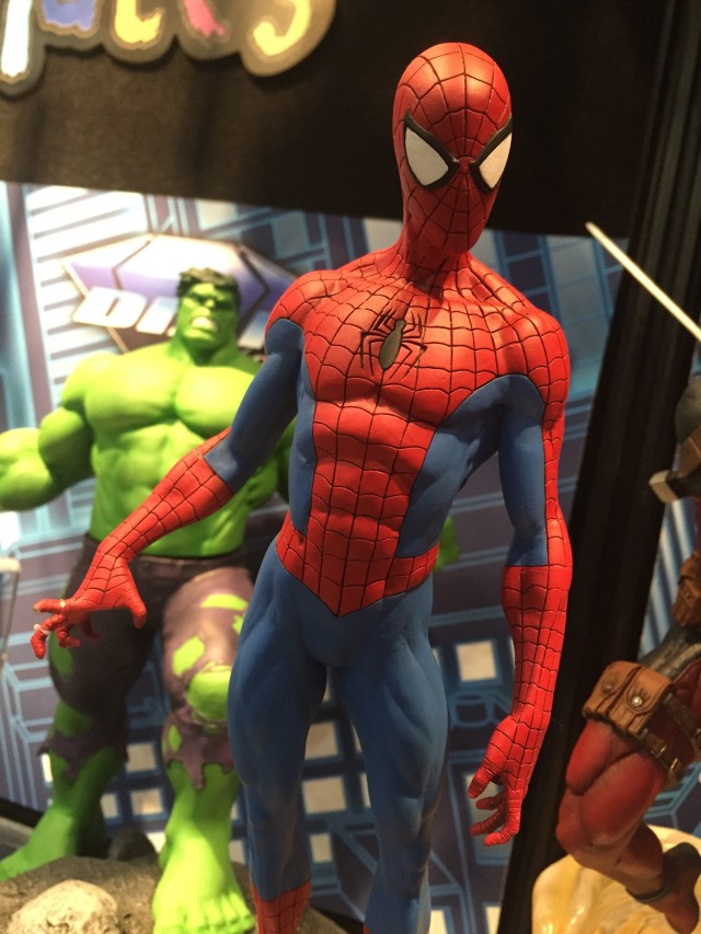 "New York Toy Fair 2016 Diamond Select Spider-Man 9"" Statue"