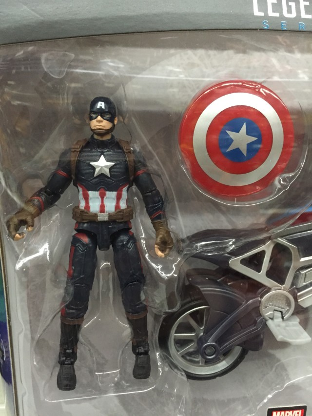 Hasbro Civil War Marvel Legends Captain America with Motorcycle