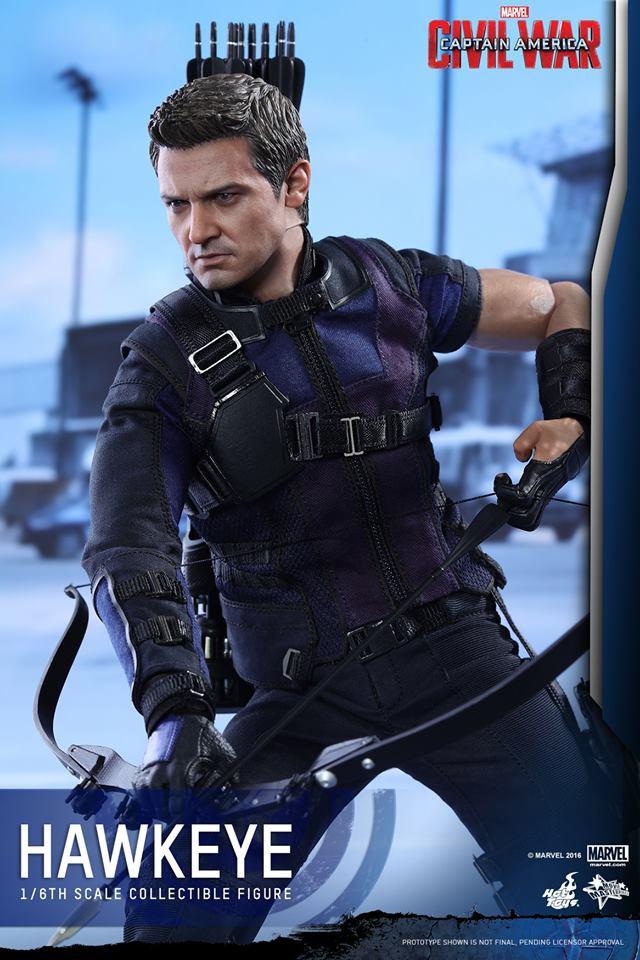 Hot Toys Captain America Civil War Hawkeye Sixth Scale Figure