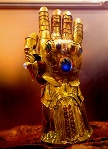 Marvel Infinity Gauntlet Prop Replica