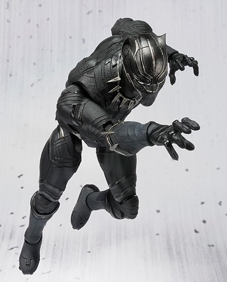 Bandai Black Panther Figuarts Figure Pouncing