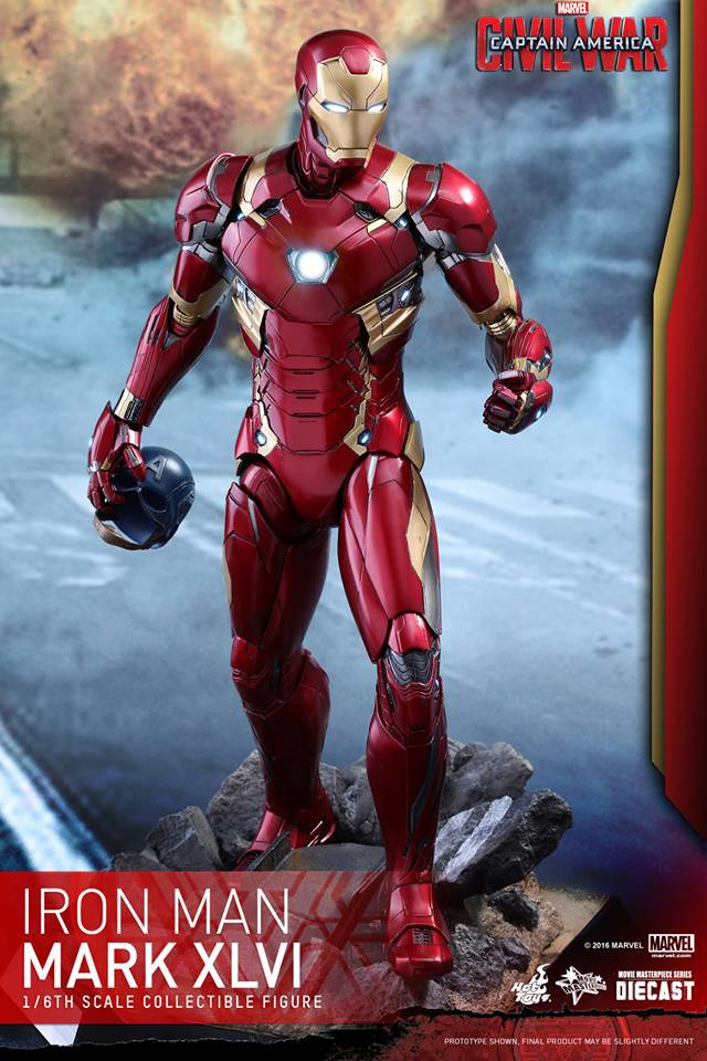 Civil War Iron Man Hot Toys Figure Holding Captain America Helmet