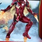Hot Toys Civil War Iron Man Mark 46 Die-Cast Figure!