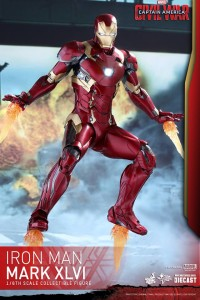 Die-Cast Iron Man Mark 46 Hot Toys Figure with Effects Pieces