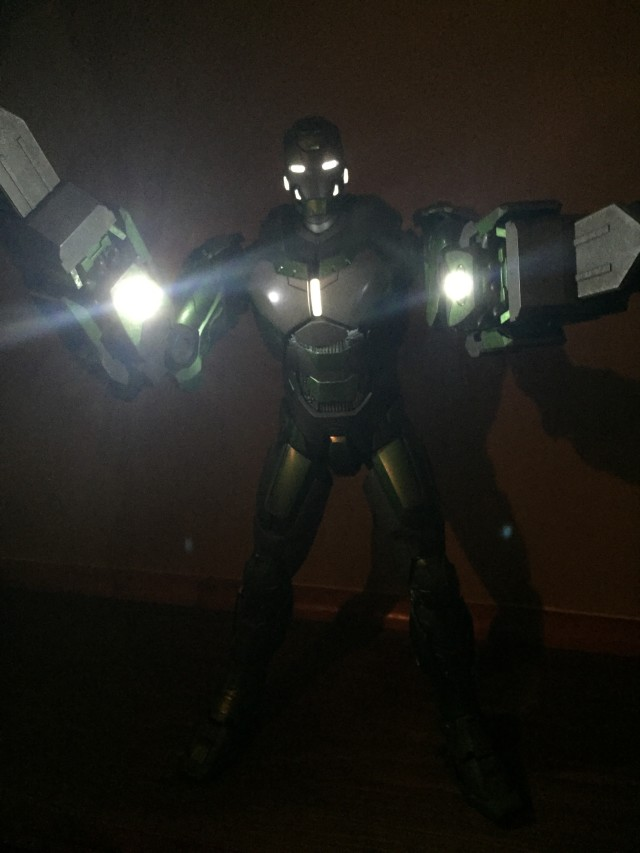 Iron Man Mark 26 Gamma Hot Toys MMS Sixth Scale Figure