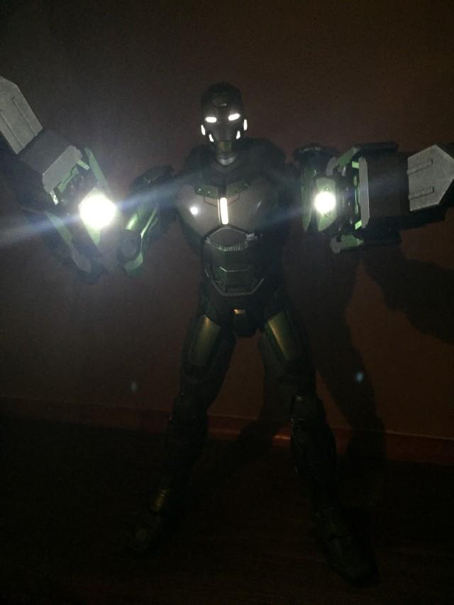 Iron Man Mark 26 Gamma Hot Toys MMS Sixth Scale Figure