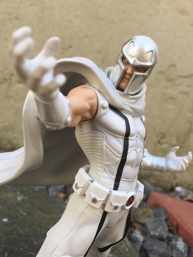 Kotobukiya X-Men Magneto ARTFX+ Review White Version