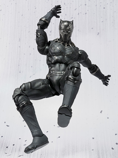 SH Figuarts Black Panther Action Figure Jumping