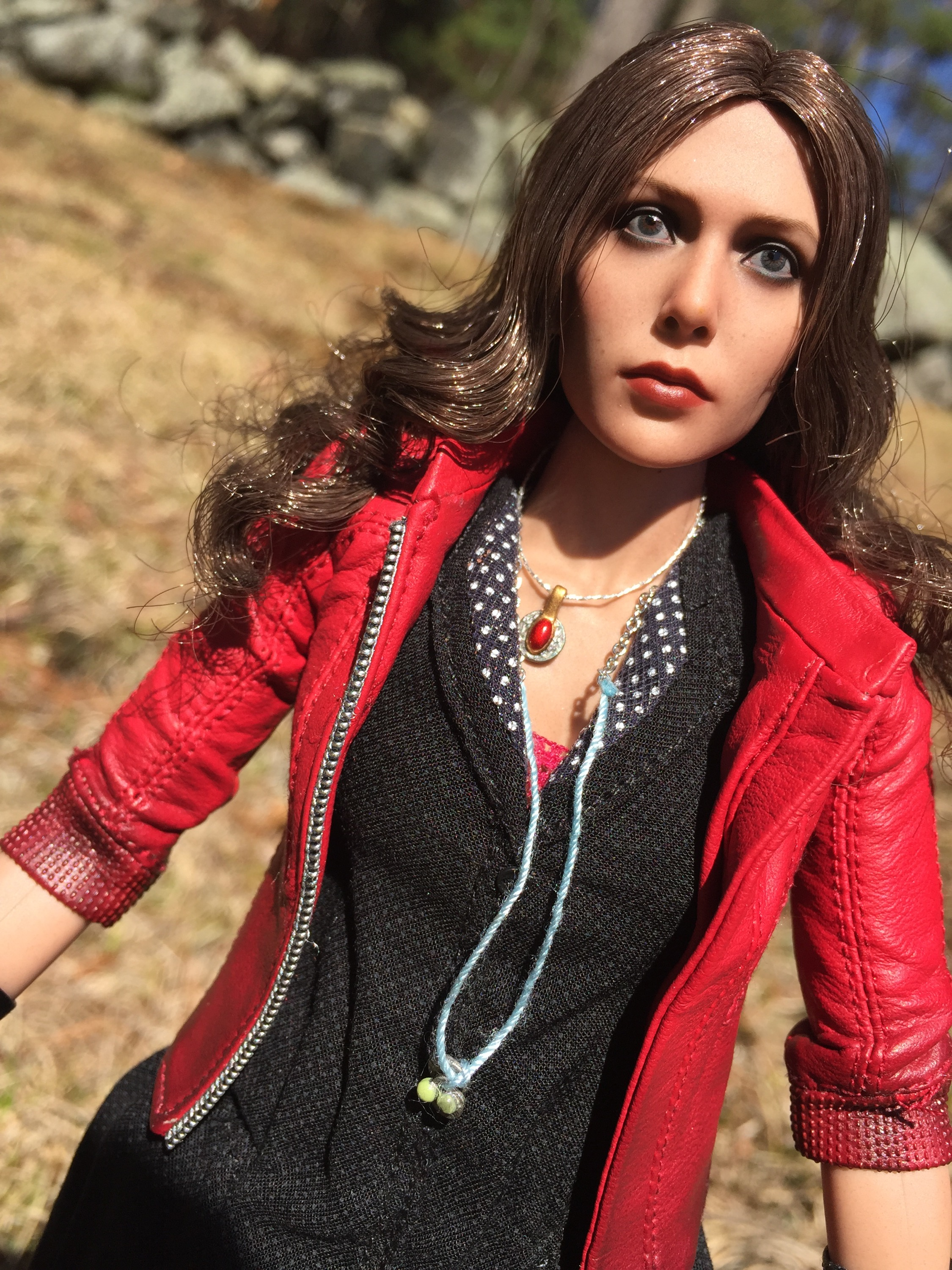 Hot Toys Scarlet Witch Sixth Scale Figure Review Amp Photos