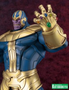Kotobukiya Thanos Statue Infinity Gauntlet Close-Up
