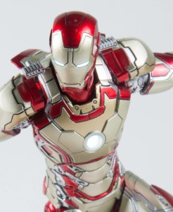 LED Light-Up Eyes and Chest on Comicave Mark 42 Iron Man 6 Inch Figure