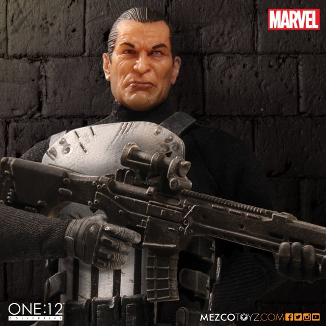 Punisher Mezco ONE 12 Collective Figure Close-Up