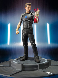 SH Figuarts Tony Stark Figure with Mark 42 Iron Man Arm