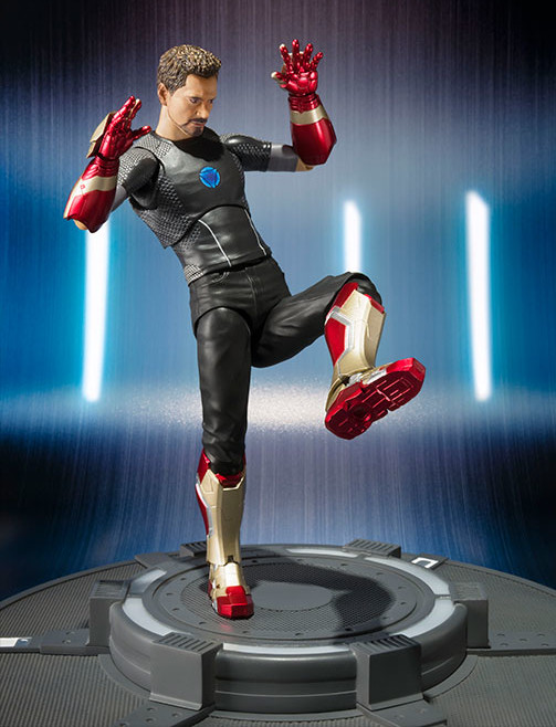 Tony Stark Bandai Japan SH Figuarts Figure with Iron Man Mark 42 Parts