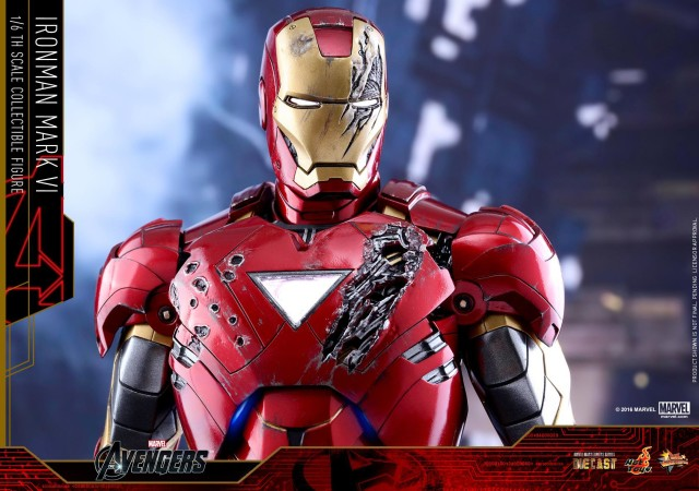 Hot Toys Iron Man Mark VI Die-Cast Figure Battle-Damaged Helmet and Armor