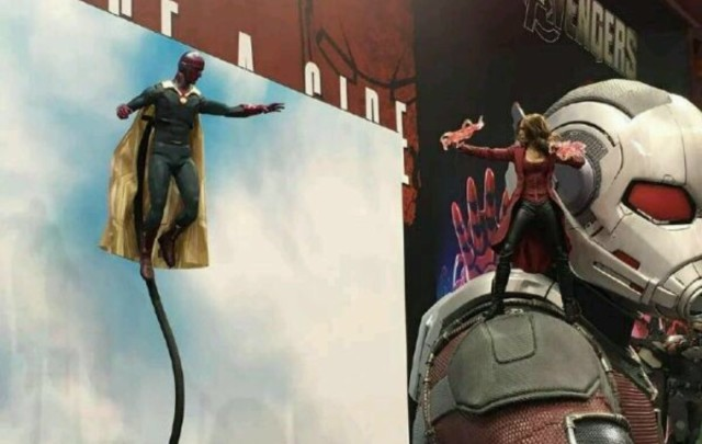 Hot Toys Scarlet Witch Figure Standing on Giant-Man's Arm