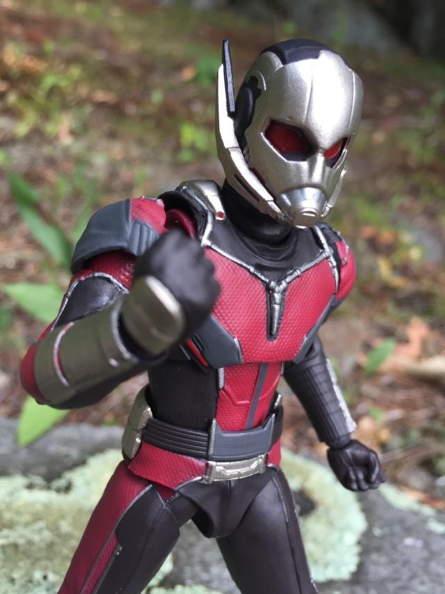 Review Bandai Ant-Man SH Figuarts Figure