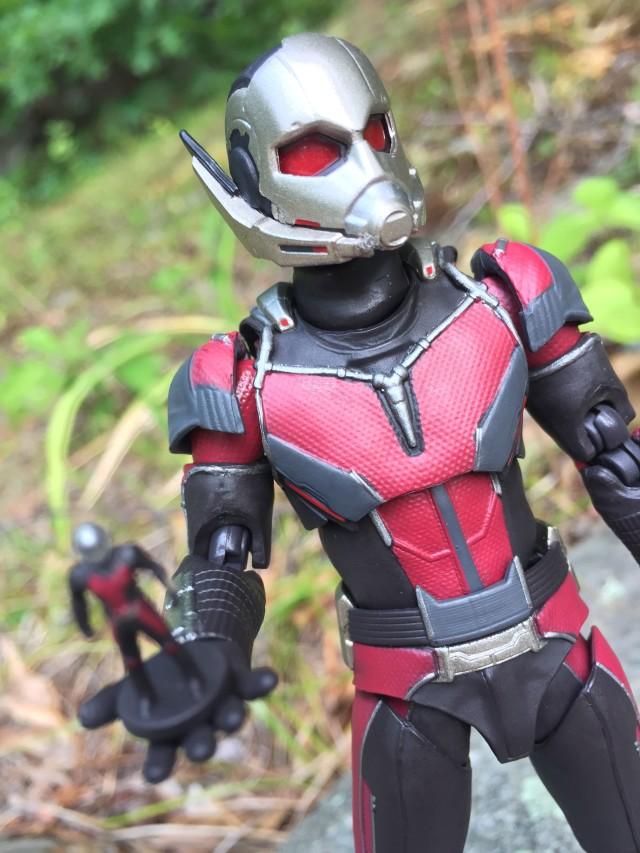 Bandai SH Figuarts Civil War Ant-Man Figure Review