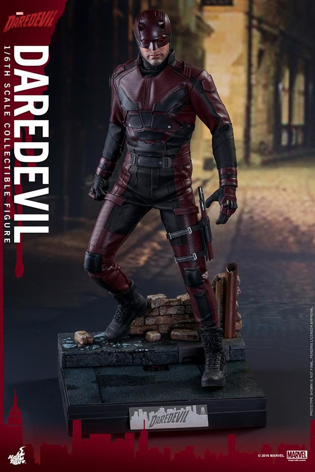 hot-toys-daredevil-mms-figure-on-diorama-style-display-base-stand