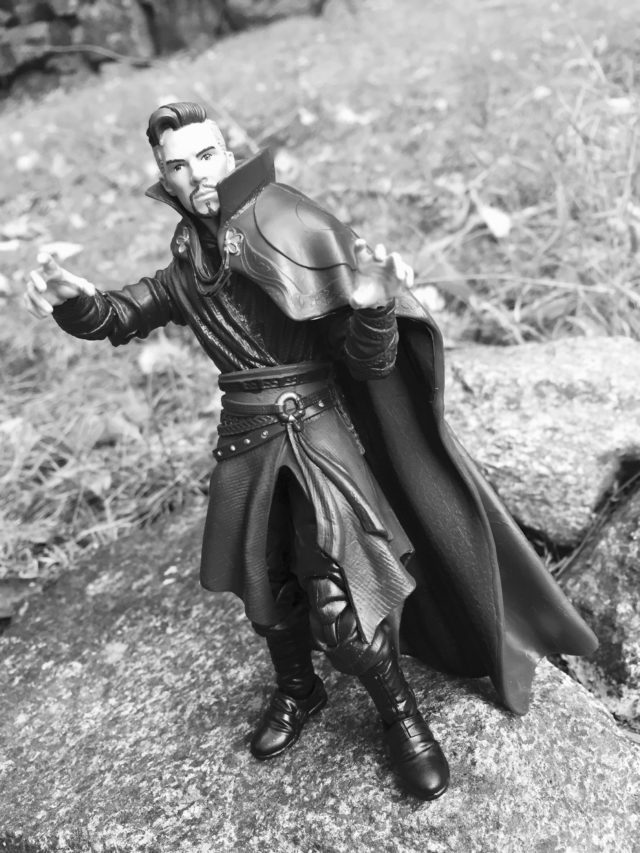 Spellcasting Hands on Marvel Legends Doctor Strange Six Inch Figure