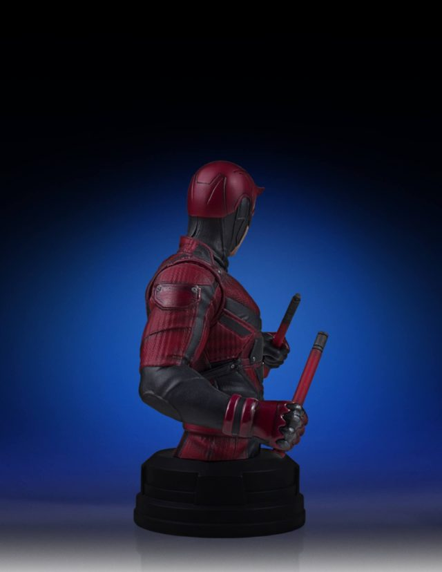 side-view-of-daredevil-netflix-gentle-giant-ltd-bust