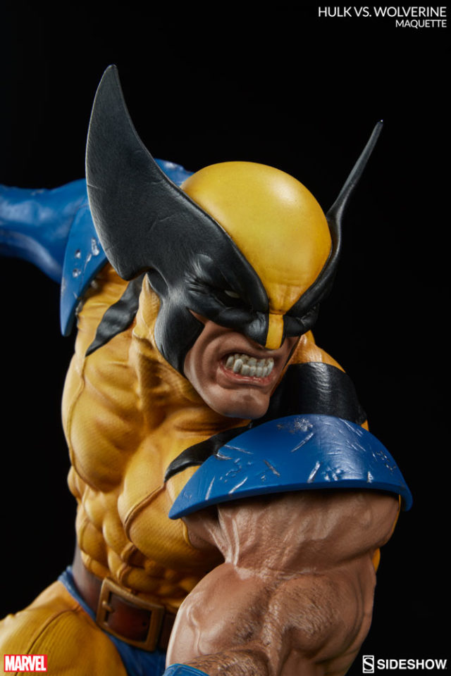 Sideshow Hulk vs Wolverine Statue Close-Up Logan
