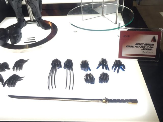 square-enix-play-arts-wolverine-accessories